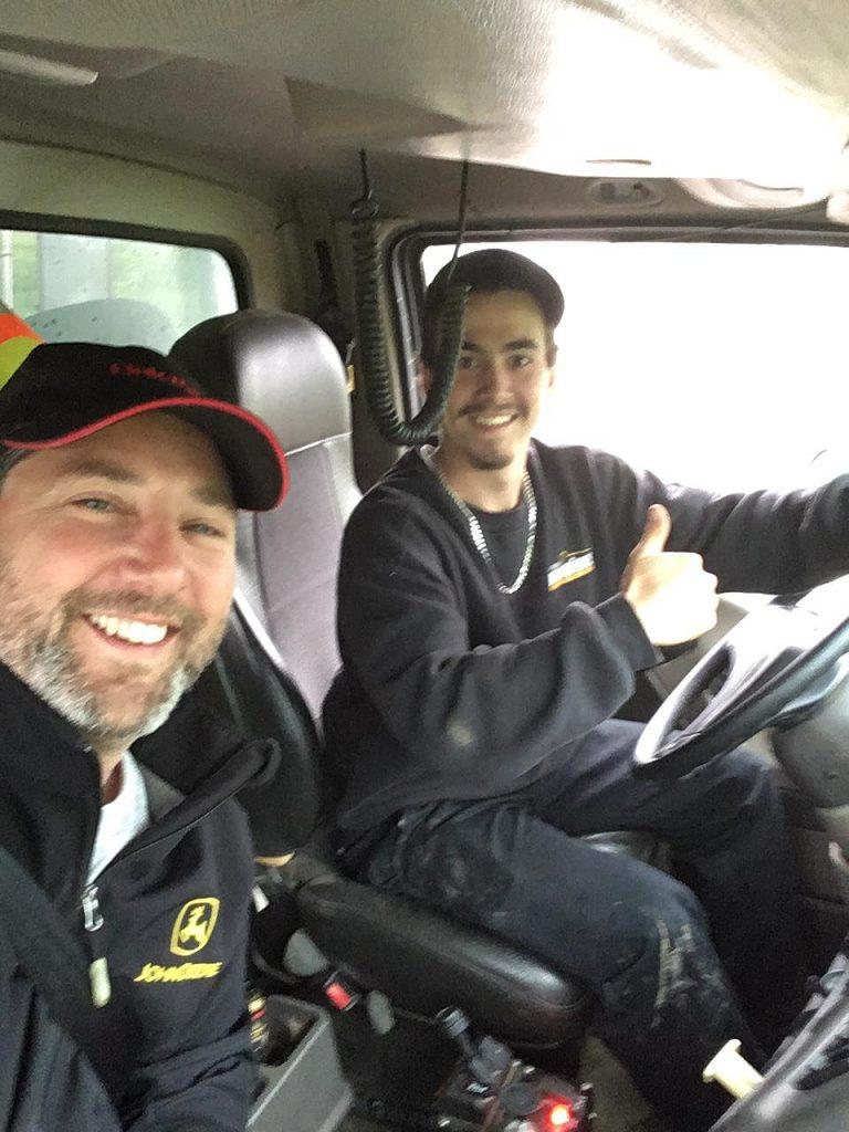 Patrick Deschênes, chauffeur de camion pour Phydime Deschens et Fils