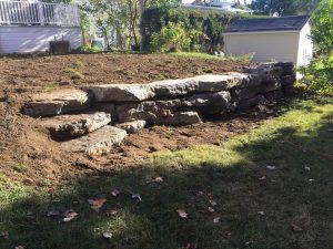 Mur de pierre calcaire avec marches